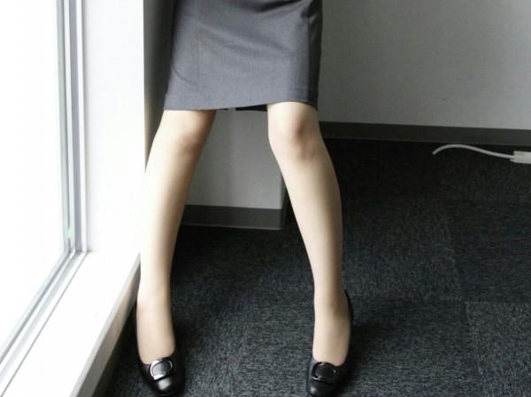 ミニスカ パンスト 【個人撮影】ベージュパンストミニスカOLってエロ過ぎだろ…オフィスでオナってSEXまでし始めちゃうwwwwwwwハメ撮りエロ画像★