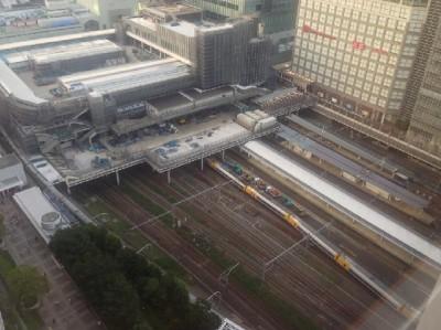 迫力抜群!走る新幹線・山手線・中央線を見ながらのんびりできる都内5大スポット