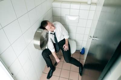 トイレ仮眠