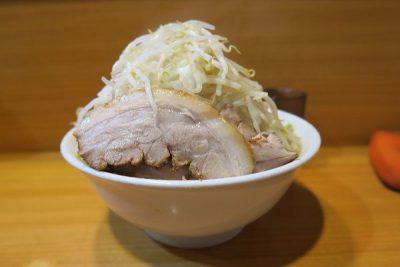『ラーメン二郎』東京23区の店を食べ歩き 最も激ウマな店舗は…