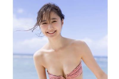 non−noモデル・鈴木友菜、『週プレ』表紙に 2度目のグアムロケで「壮大な景色に感動」