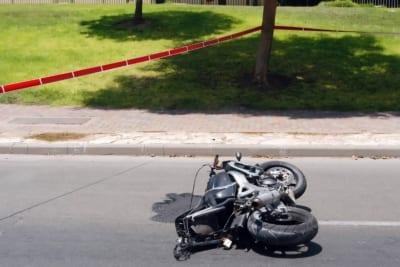 バイク転倒
