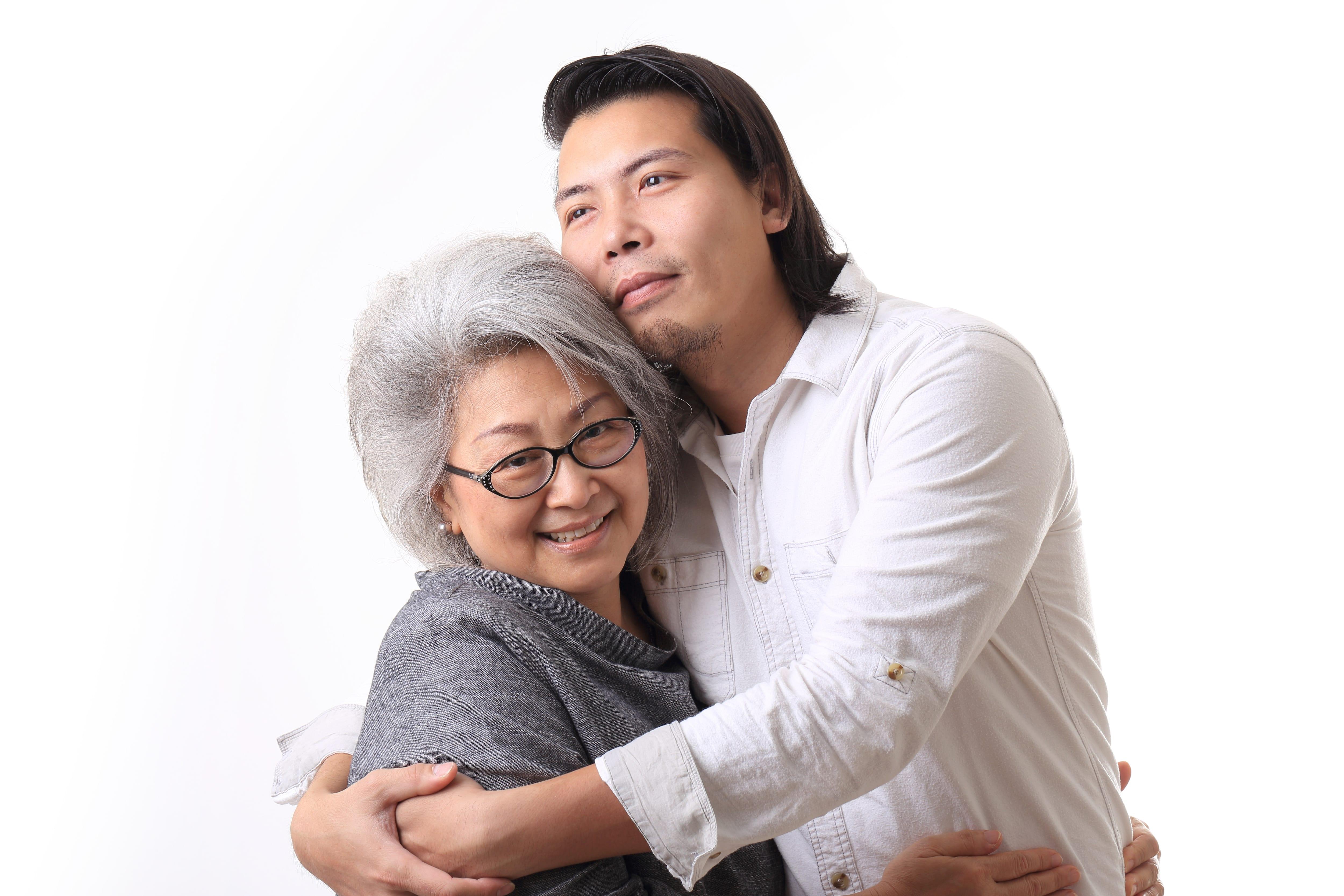 グラドル・吉沢さりぃが体験談を激白 「マザコン男」との恋愛はアリか ...