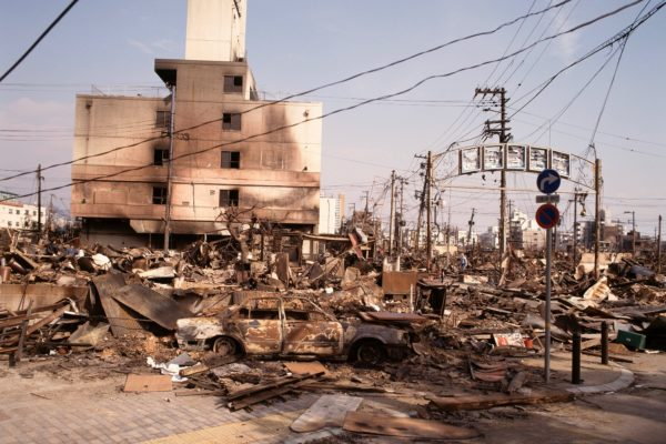 阪神・淡路大震災で被災した記者が取材 「大阪地震で大震災を思いだ ...