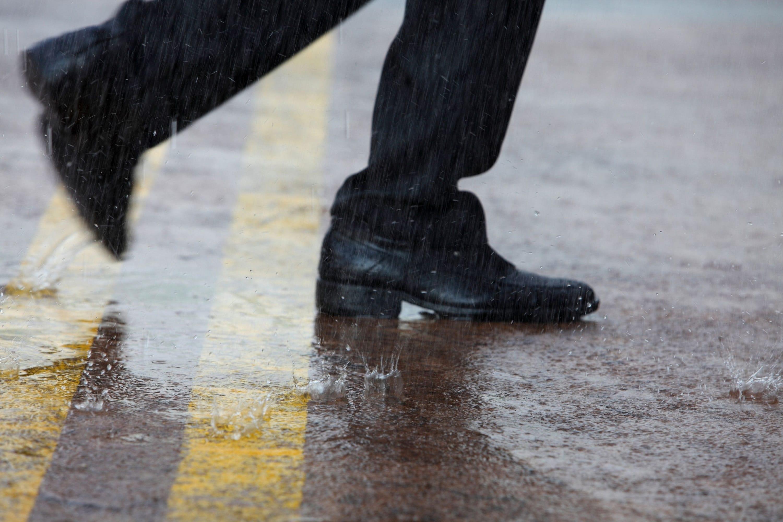 雨・サラリーマン