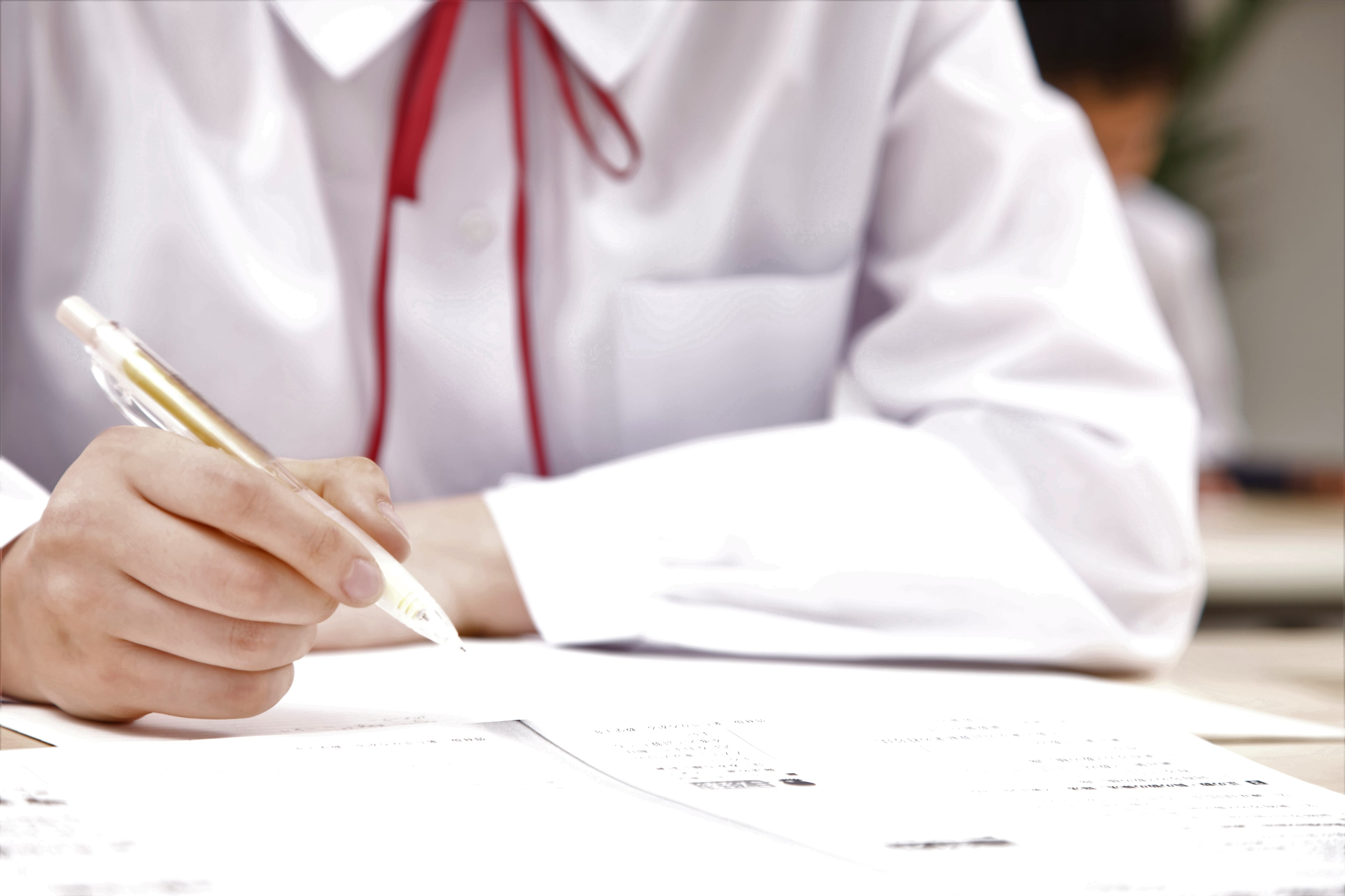 試験中の生徒
