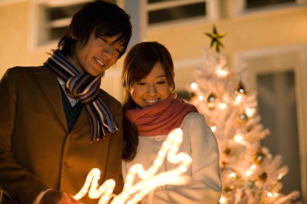クリスマスのために無理して付き合ったカップル 12月26日には破局へ… – ニュースサイトしらべぇ