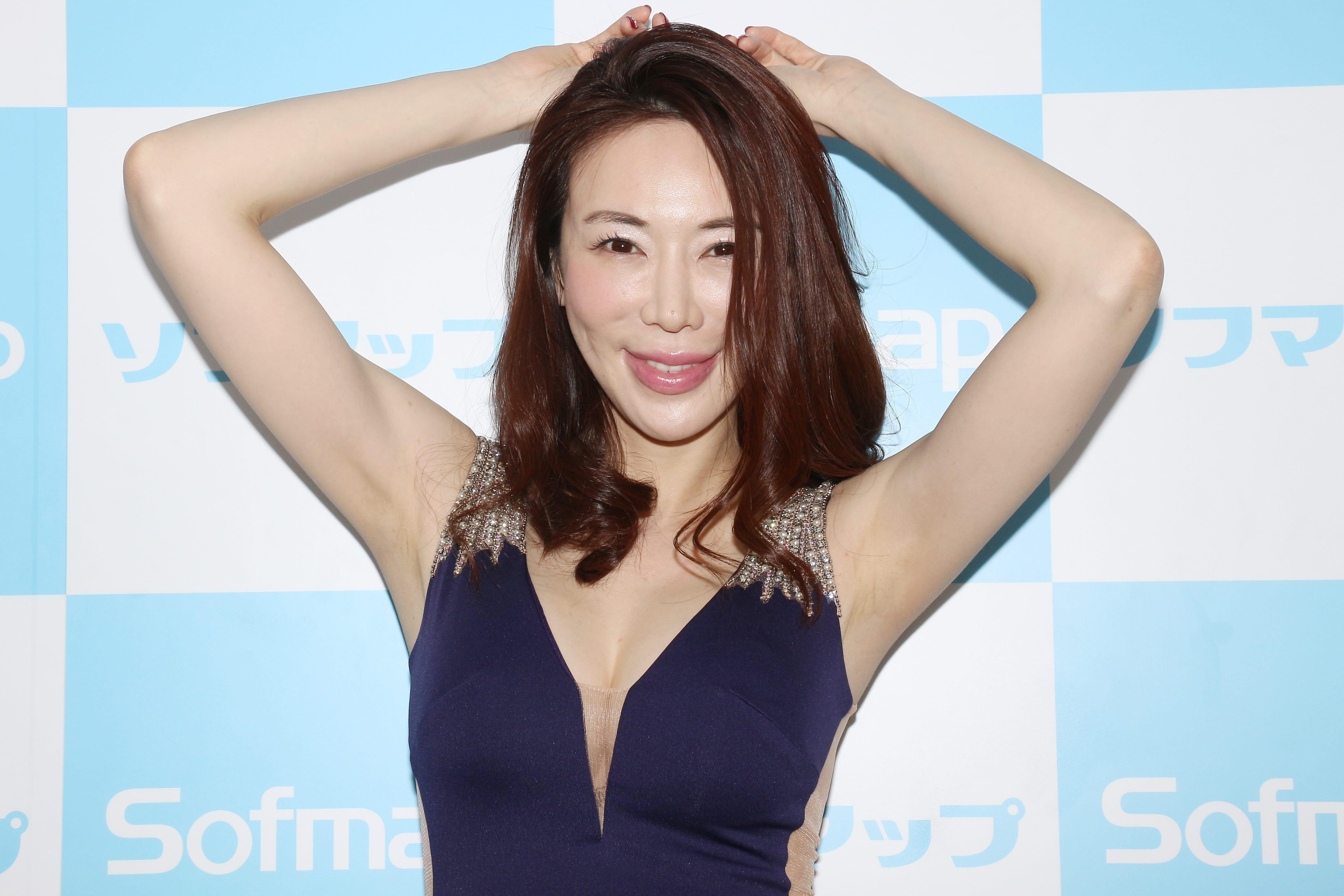 【悲報】美しすぎるグラビアアイドル・岩本和子さん、刃物で男を切りつけ逮捕  事件前SNSに意味深な書き込みを連発  [776133792]->画像>21枚