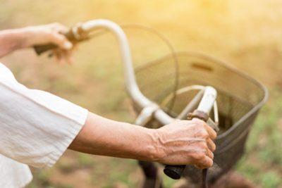 80代男性、自転車で高速道路を走行 その理由に「マジか…」「怖すぎる」と衝撃