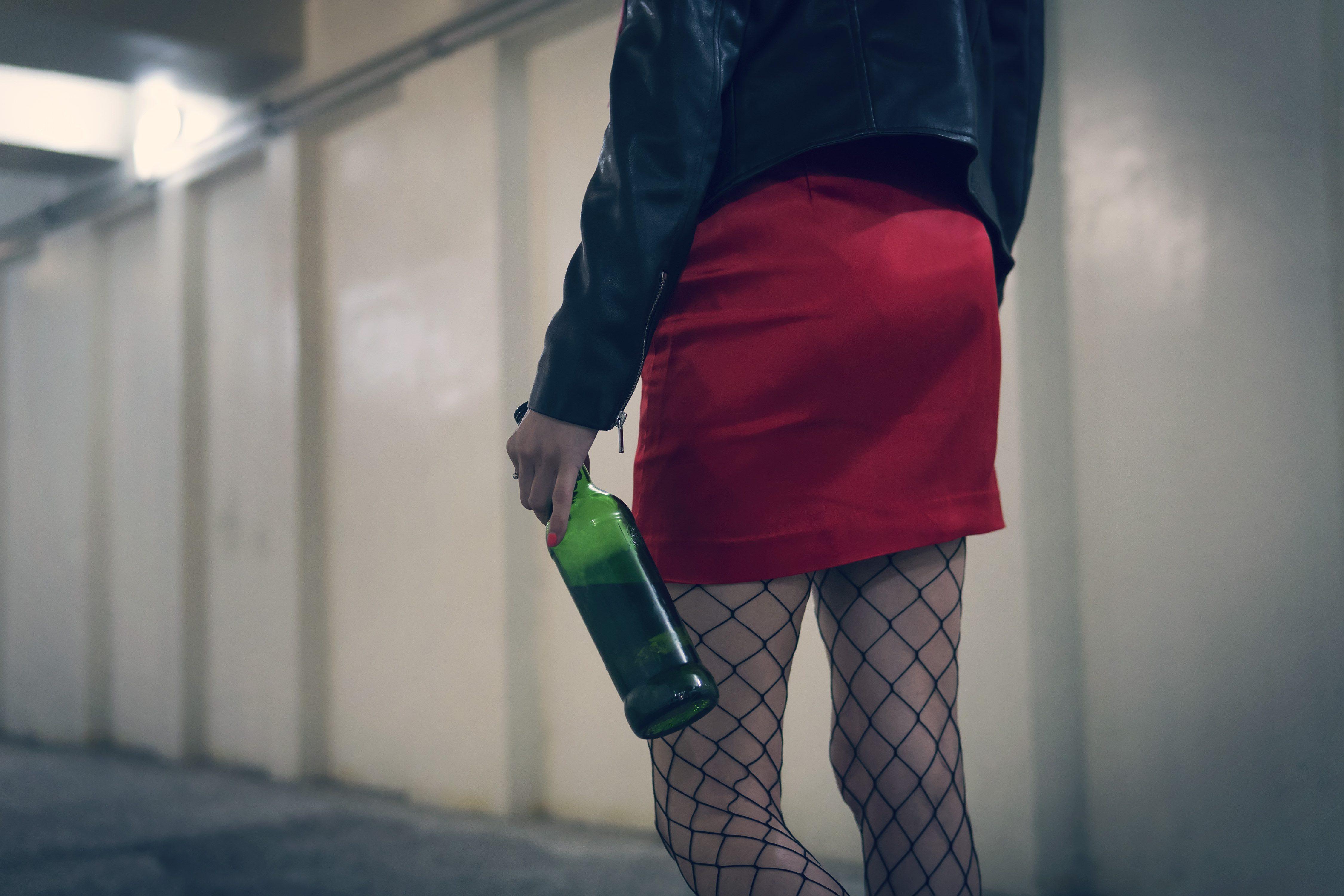 アルコール中毒・酔っぱらい・女性