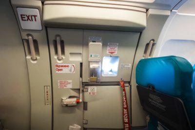 飛行機非常口