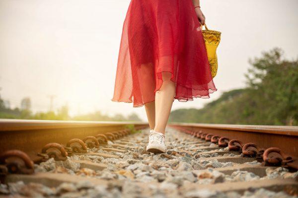 線路・女性