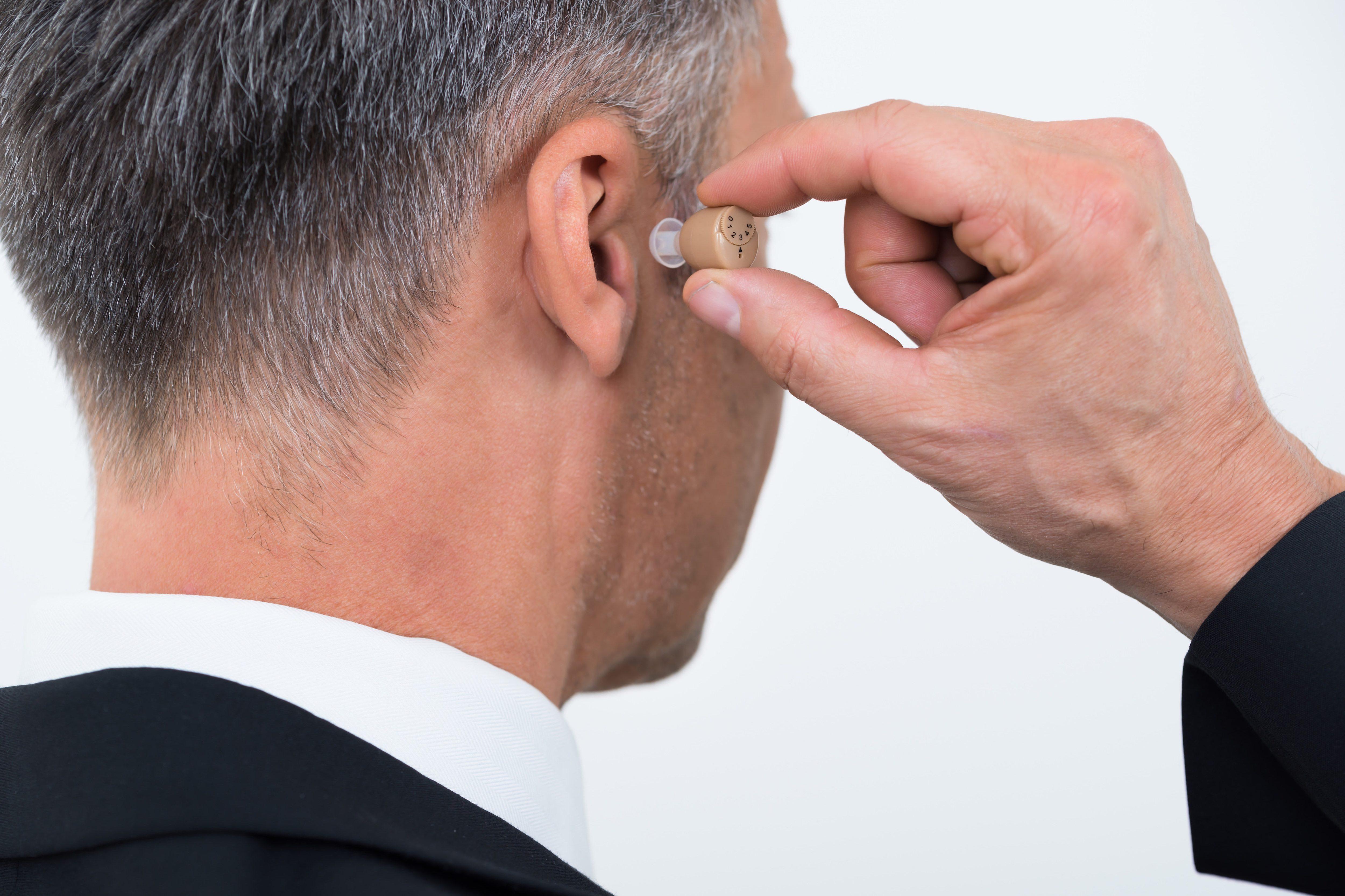 補聴器・聴覚障害者