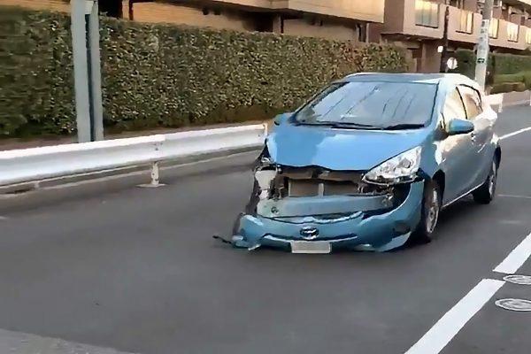 ボロボロの車体の当て逃げ動画が話題に 「撮影者をにらみつけて来た」