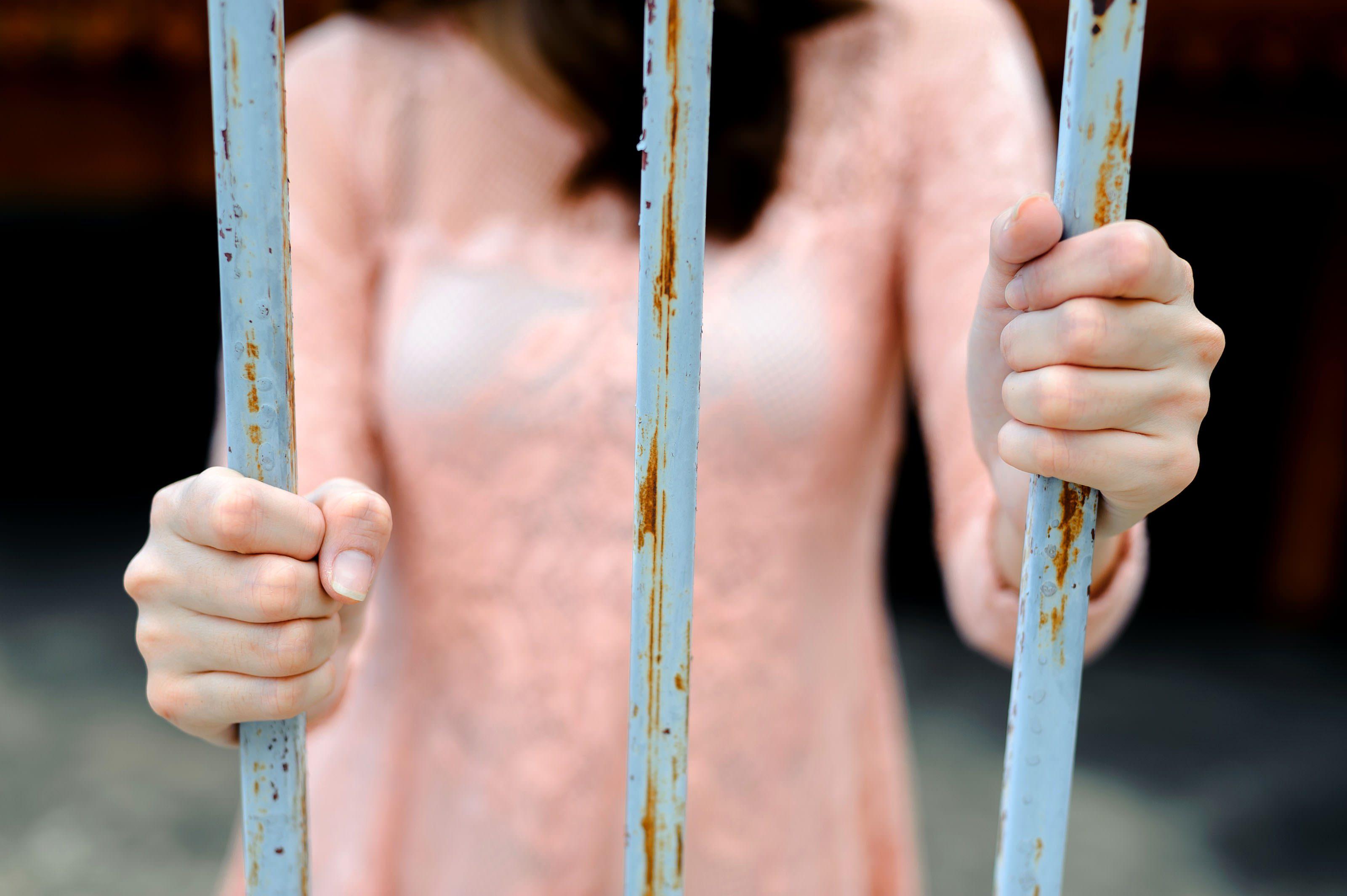 刑務所・女性