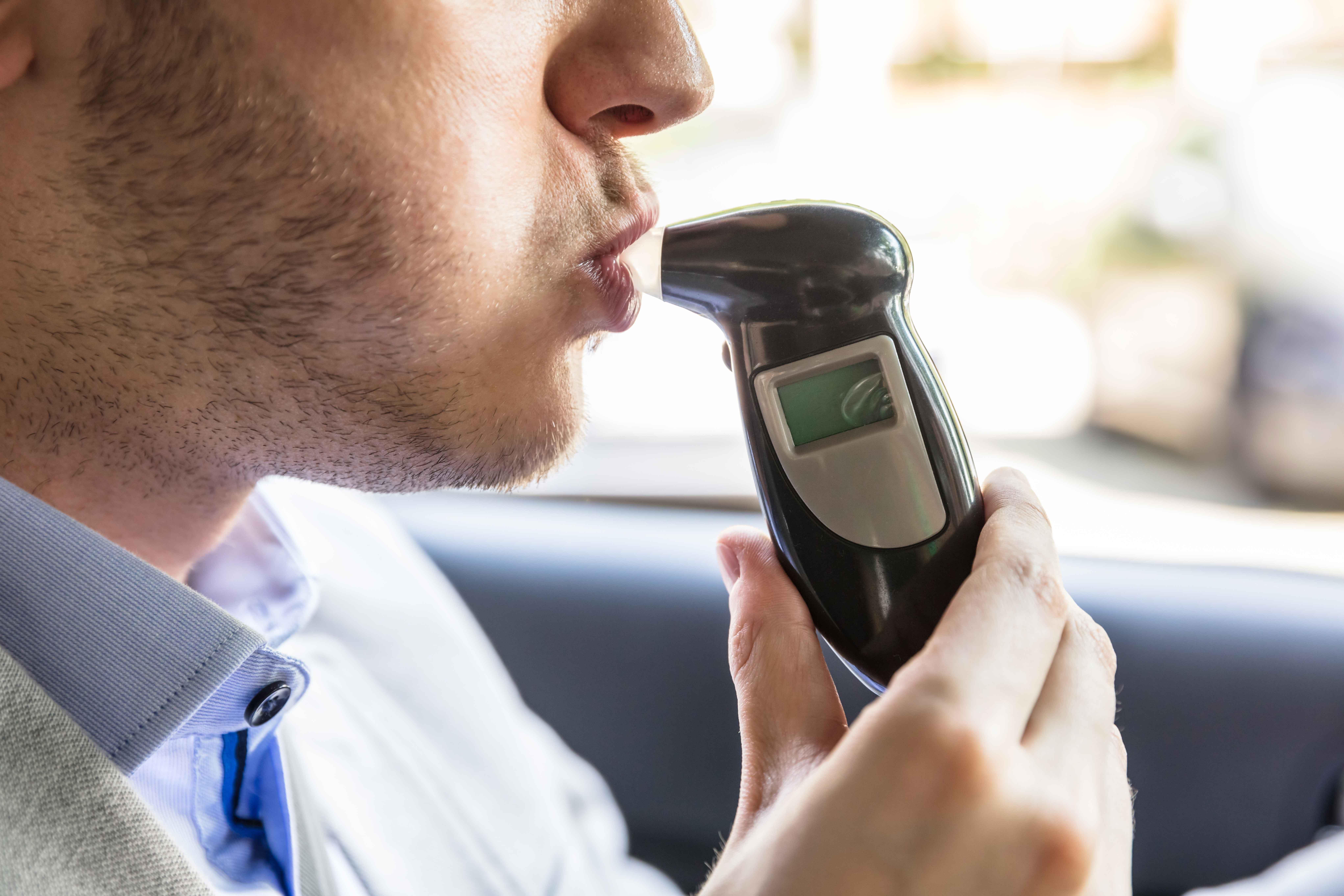 アルコール呼気検査