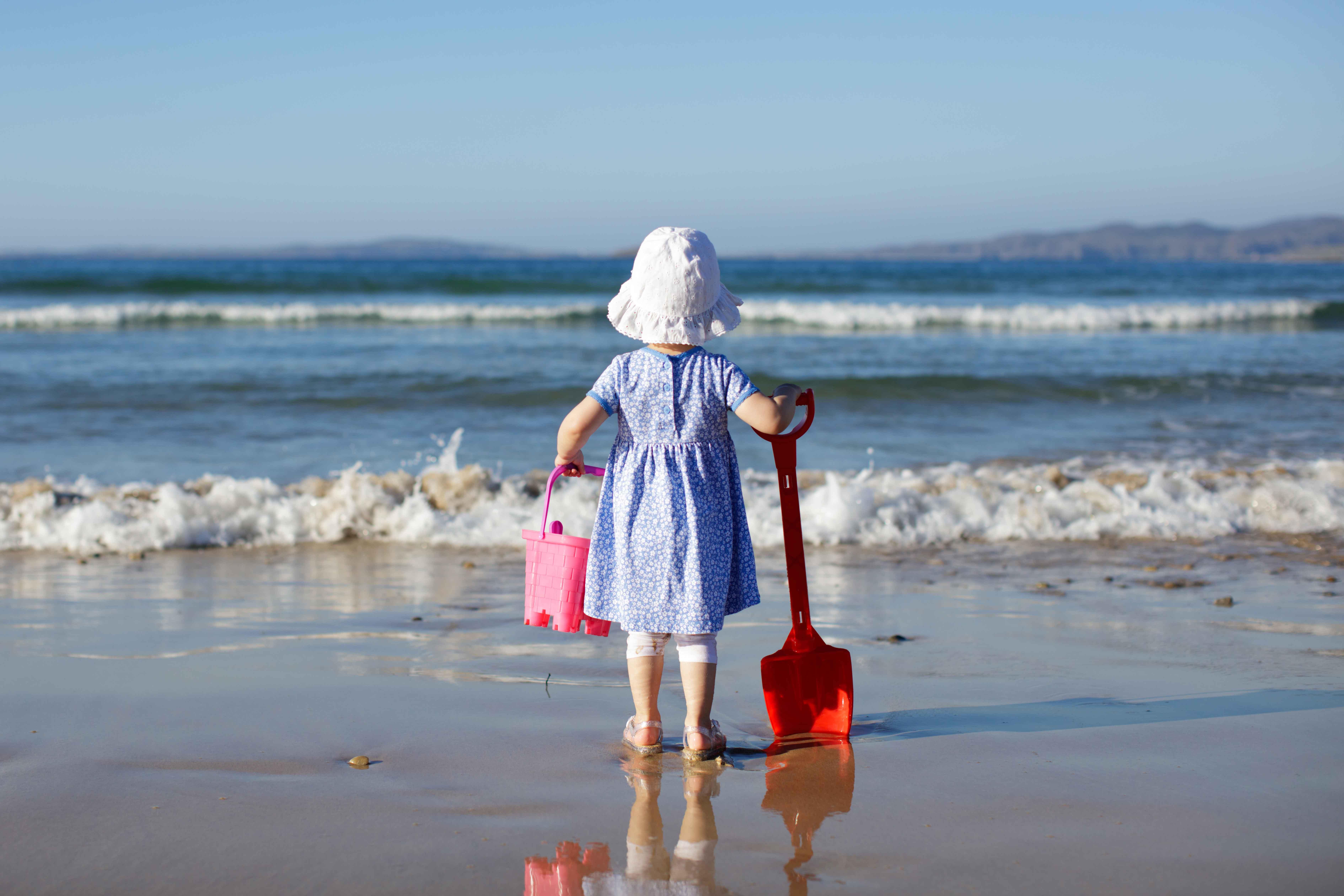 海岸の子供
