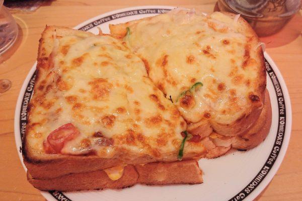 『コメダ珈琲』のピザトースト 「パンに挟まれているモノ」に衝撃を受けた