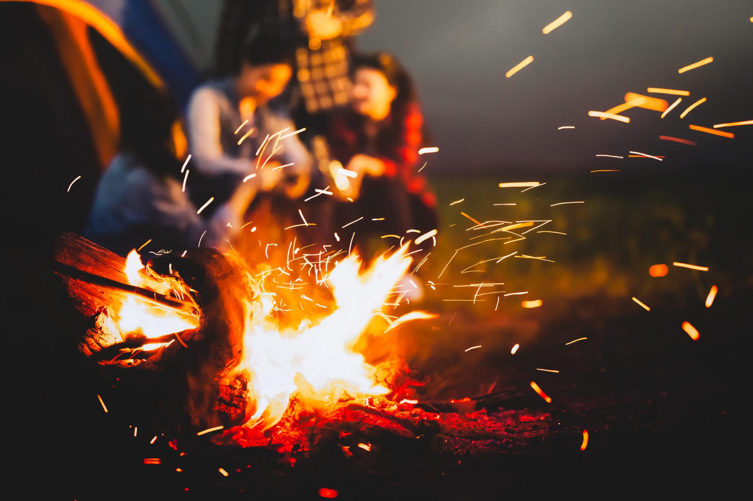 キャンプファイヤー・焚き火