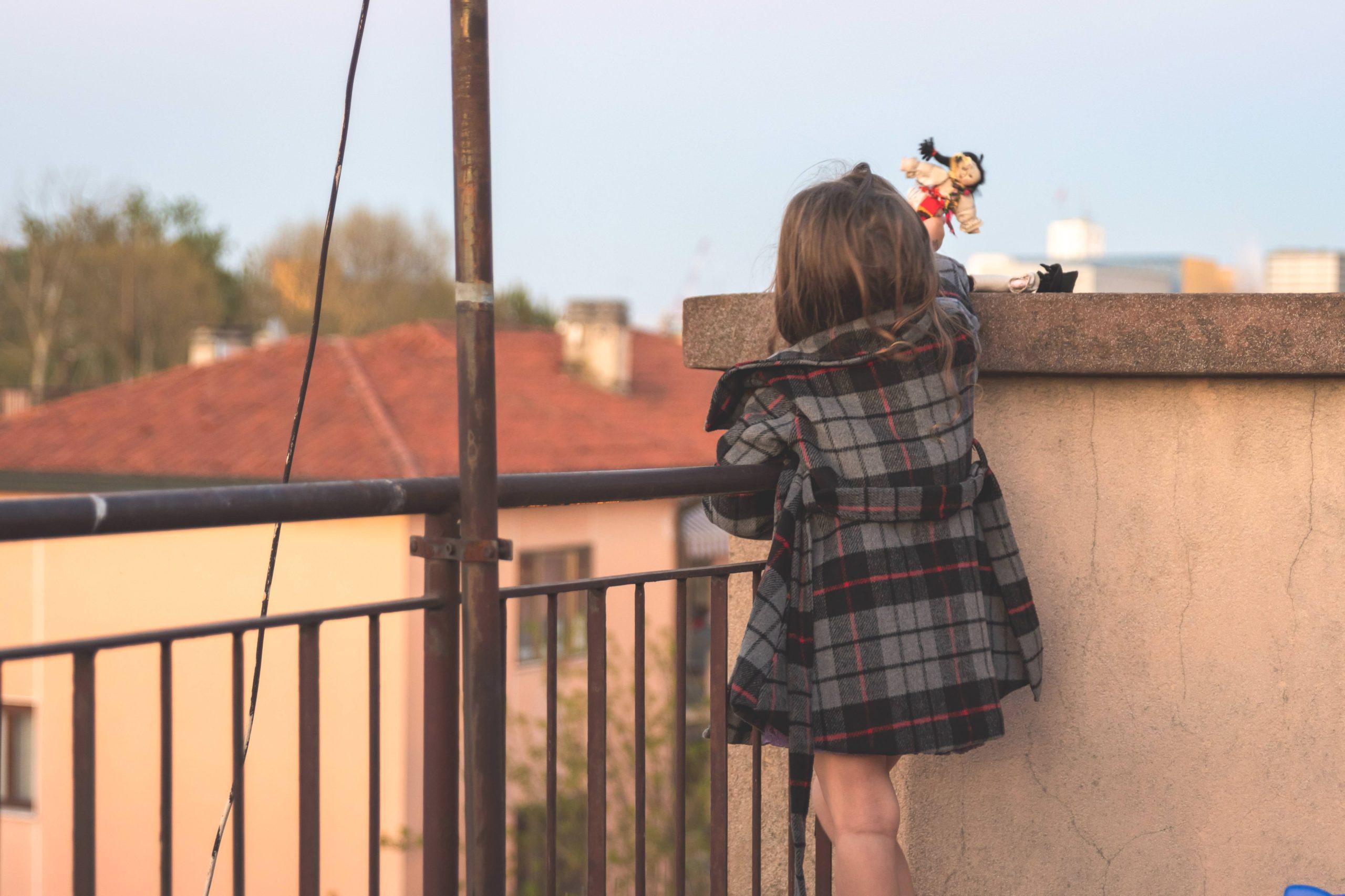 子供・ベランダ・屋上