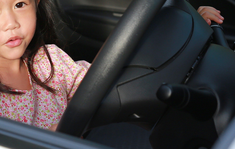 少女が運転