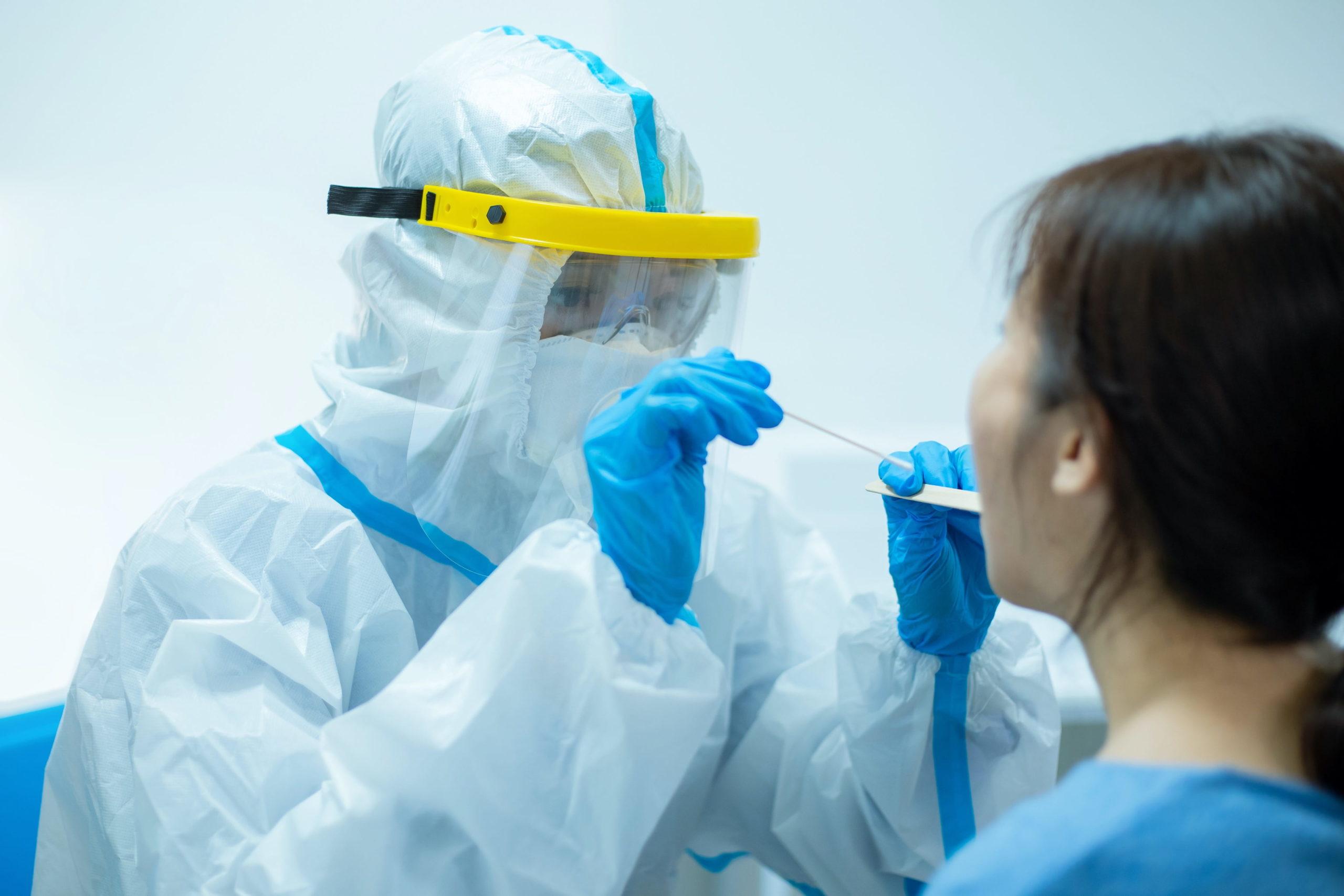 看護師・PCR検査・新型コロナウイルス