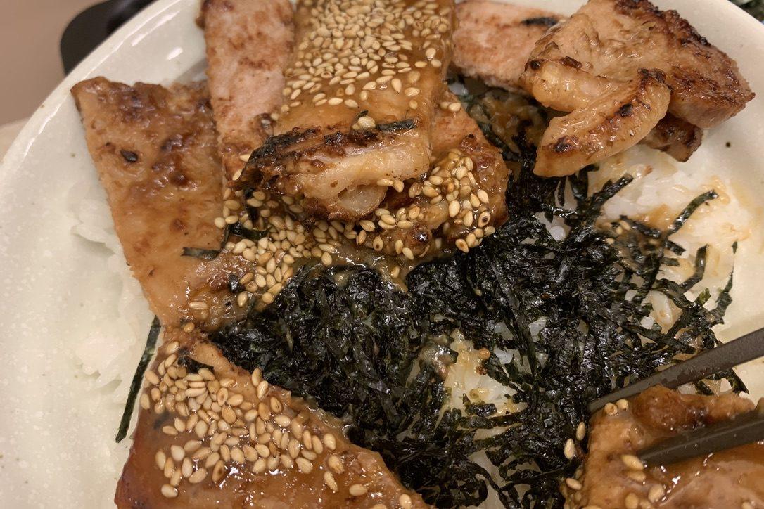 トンテキ丼