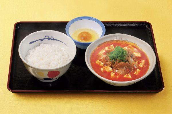 松屋、毎年人気の「キムチチゲ膳」が新しくなって登場 お肉の量がスゴすぎる