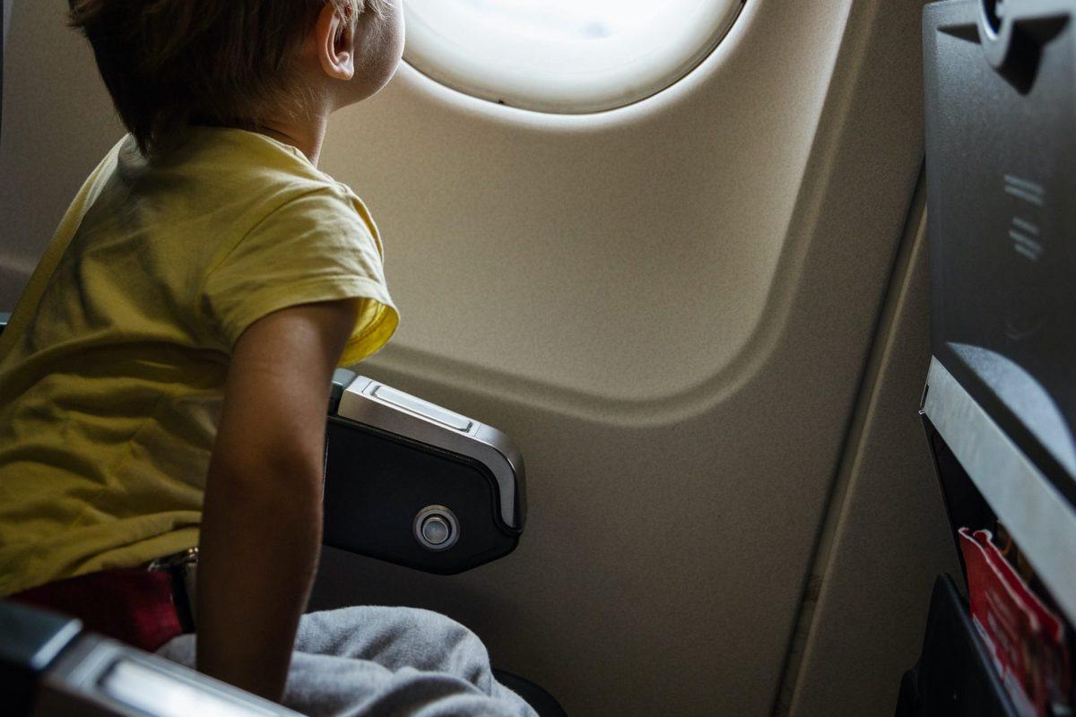 飛行機・子供