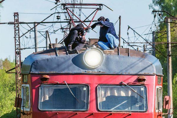 電車・屋根