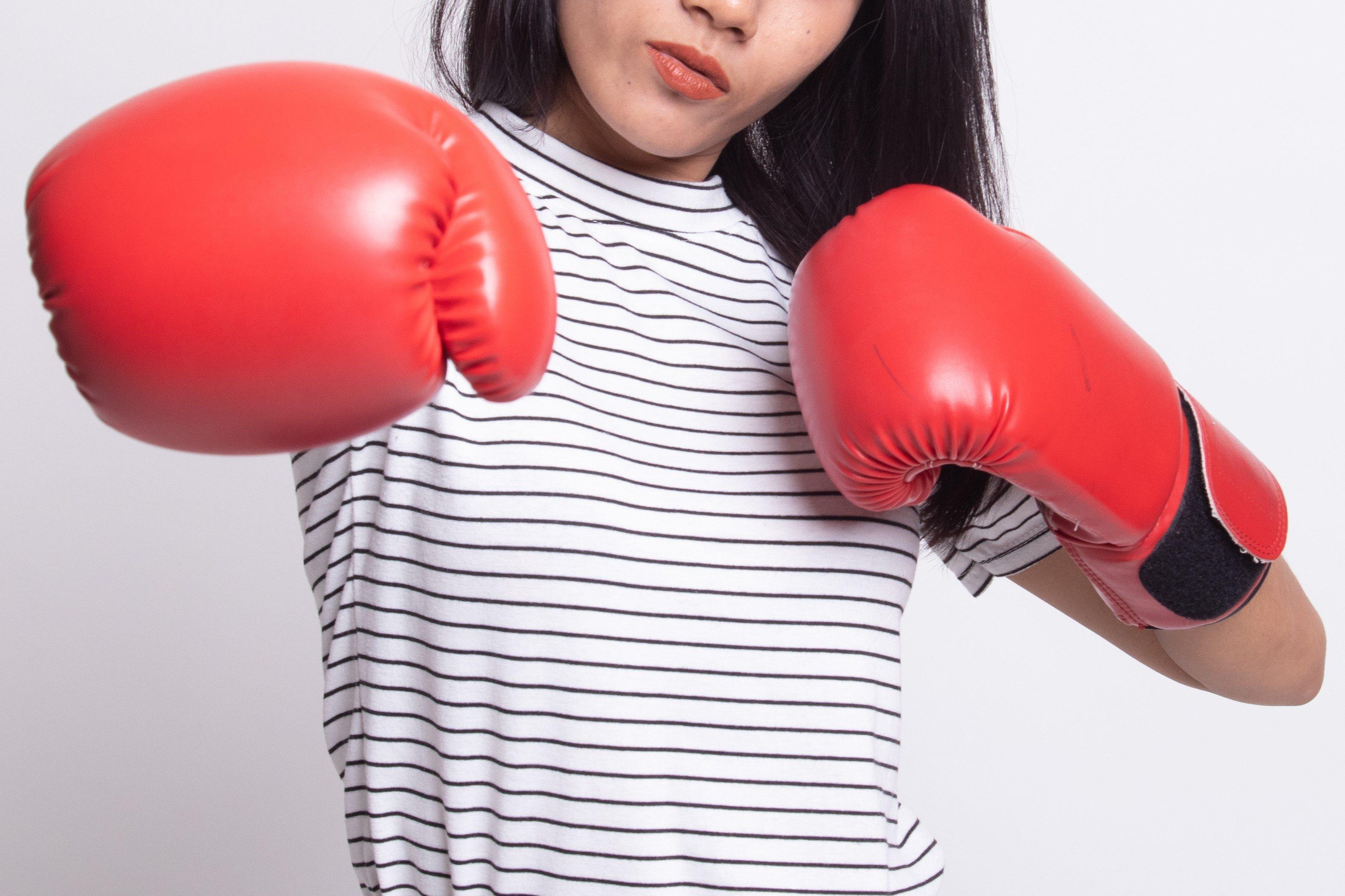 ボクシング・グローブ・ボクシンググローブ・女性