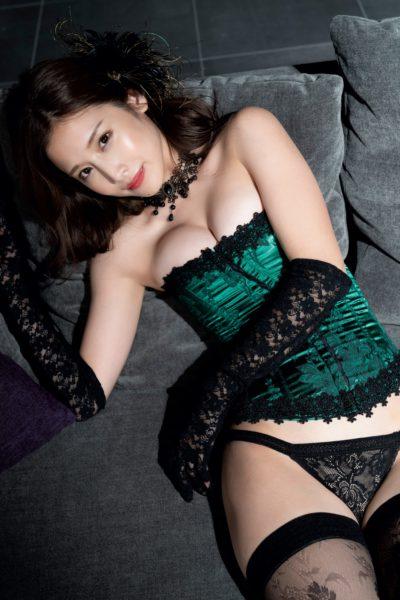 益田アンナ