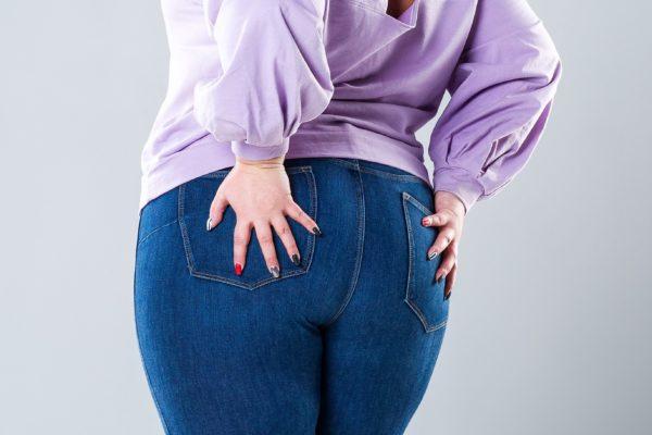 太った女性・尻