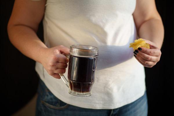 太る・太った女性・酒