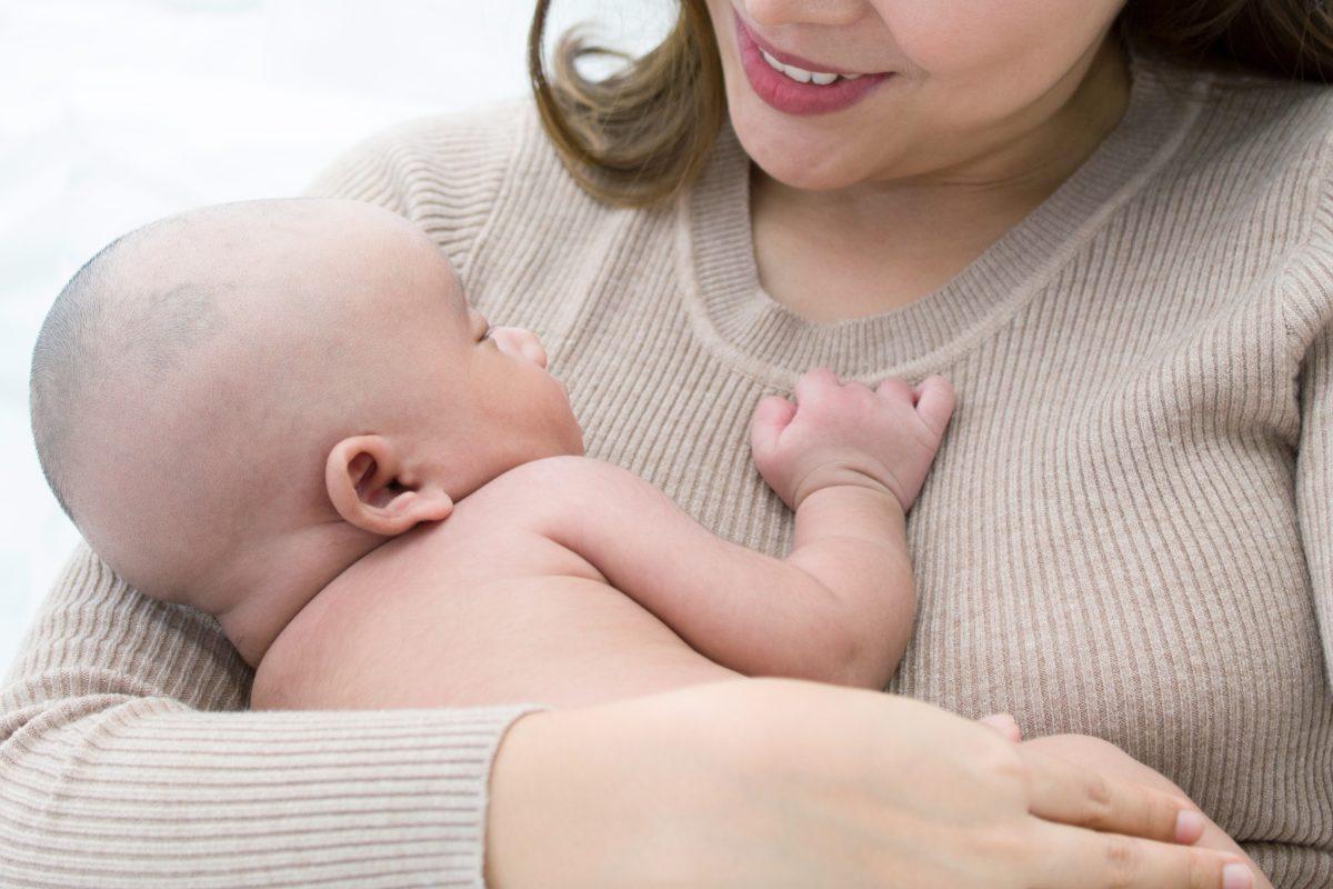 赤ちゃん・母親・親子