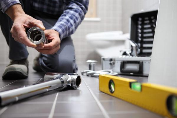 「トイレ詰まり修理20万円支払え」 インターネットおとり広告の実態を聞いた
