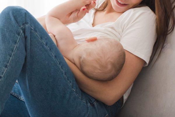 授乳・母・赤ちゃん