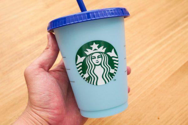 """スタバの期間限定カップ 冷たい飲み物を注ぐと""""ある変化""""が…"""