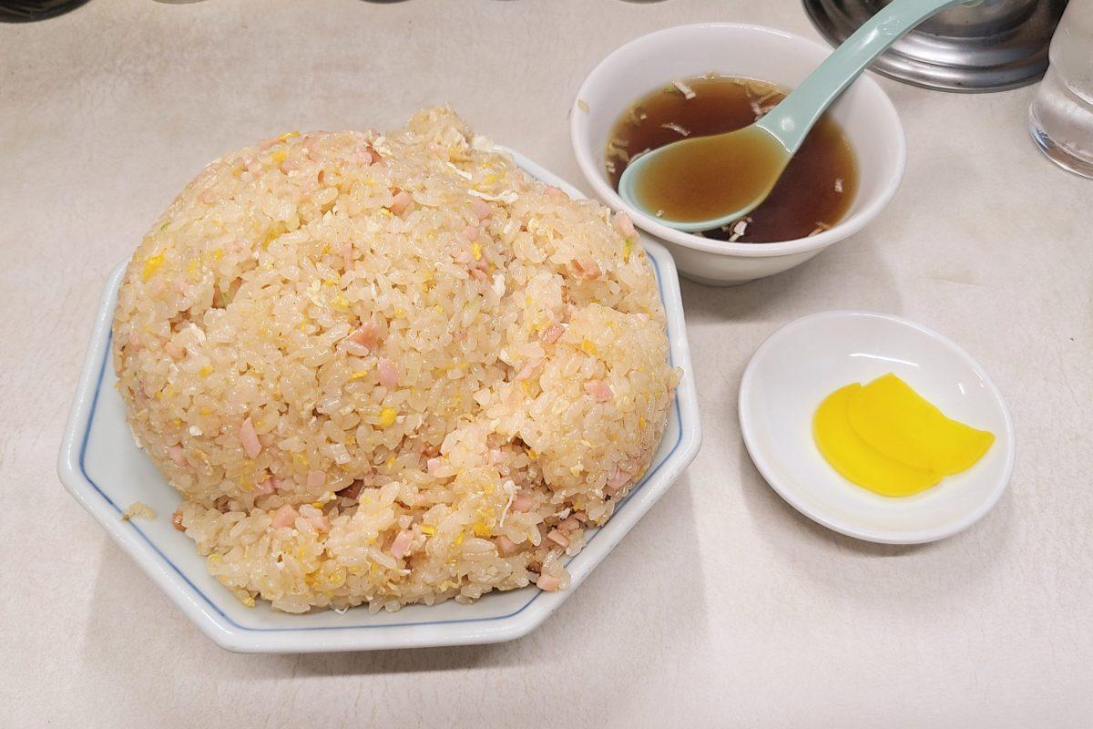 あのイチローも愛した中華料理店「交通飯店」 デカ盛りチャーハンが激ウマ