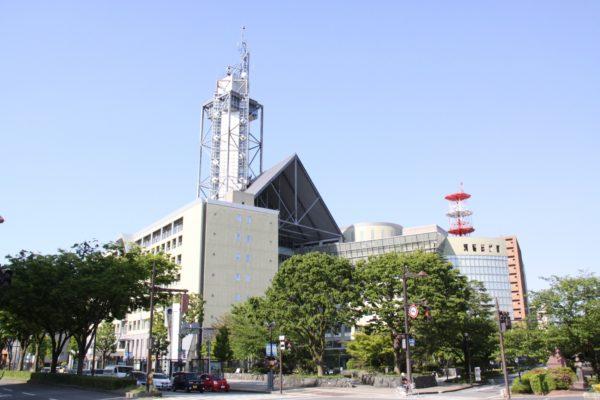 富山市役所外観