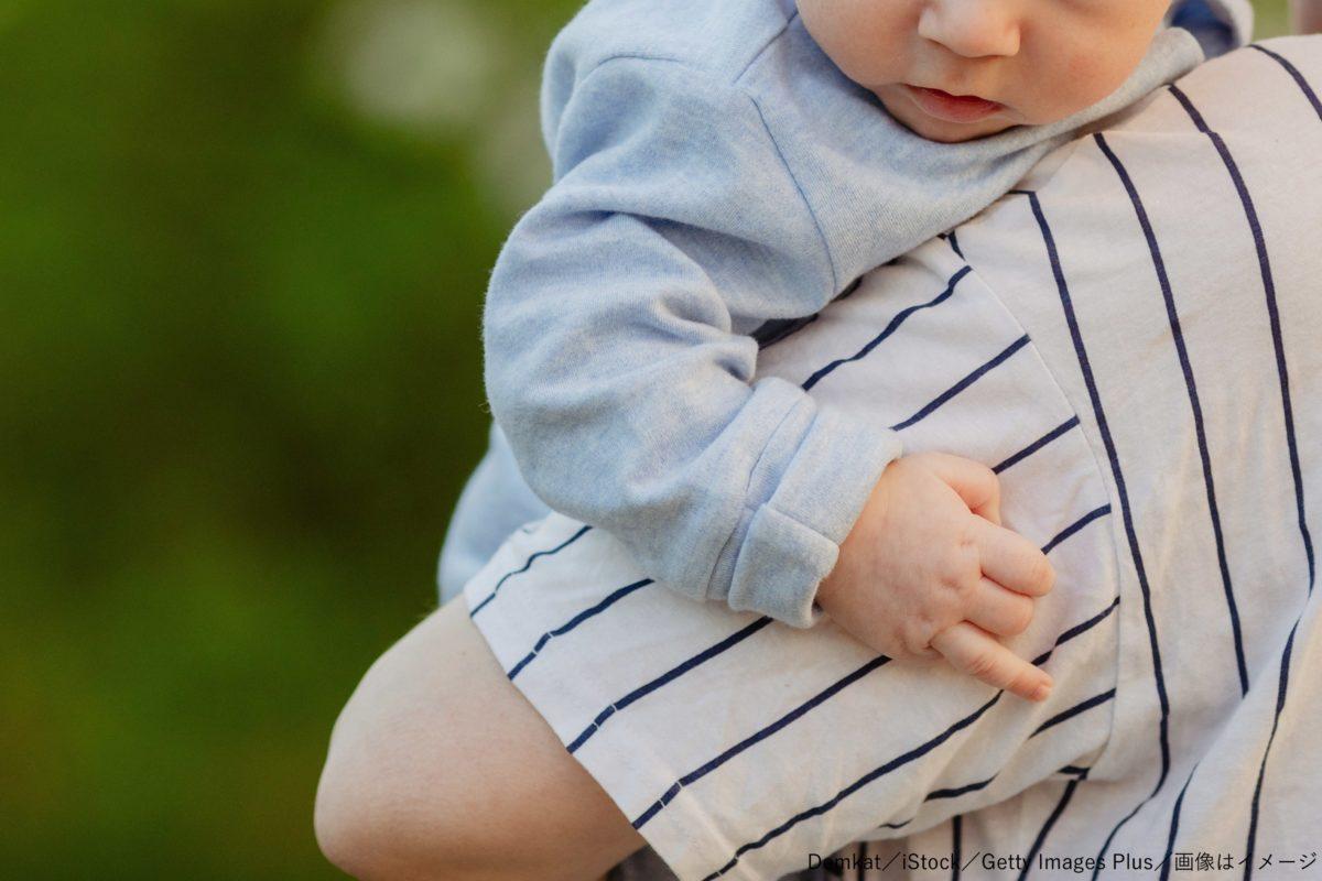 親子・母・子・赤ちゃん・抱っこ